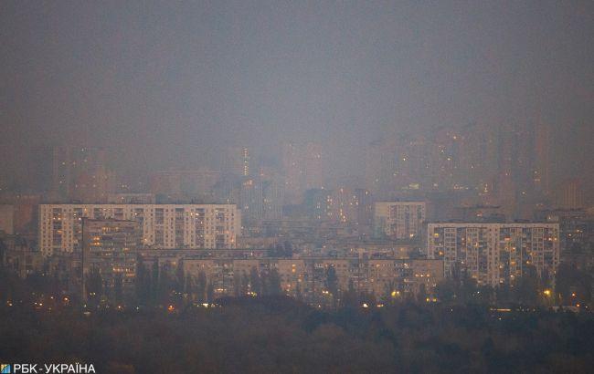 Пылевая буря и дым из Чернобыля: что происходит в Киеве сейчас