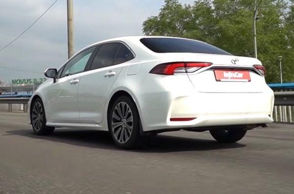Toyota Corolla: стоит ли переплачивать?. Toyota Corolla Sedan