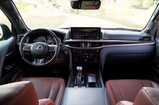 Lexus LX 450d салон