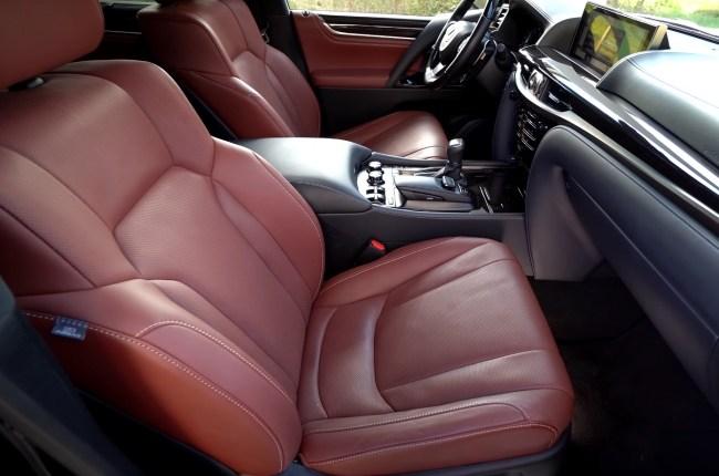 Lexus LX 450d сиденья