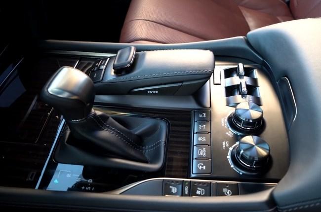 Lexus LX 450d селектор АКПП