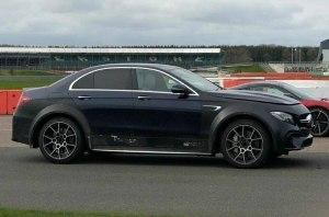 Mercedes готовит кросс-версию седана C63 AMG?!