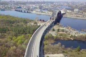 В КГГА заявляют, что Подольско-Воскресенский мост не будет иметь съезда на Русановские сады