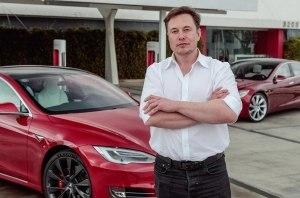 Маск не смог припарковаться в Берлине. Теперь Tesla готовит компактный хэтч для Европы