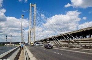 В Киеве ограничат движение на эстакаде Южного моста