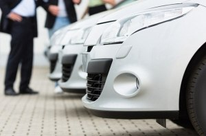 Цвет настроения белый: в Туркменистане запретили автомобили с черными деталями