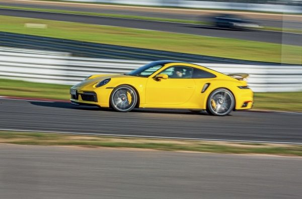 Porsche 911 Turbo S: почему нет смысла покупать его для «понтов». Porsche 911 Turbo (992)