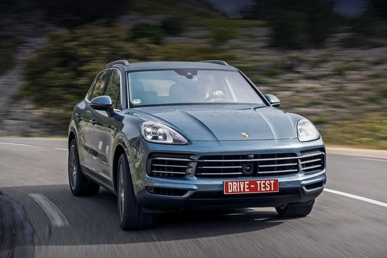 Тест-драйв Porsche Cayenne: Запитываем от сети