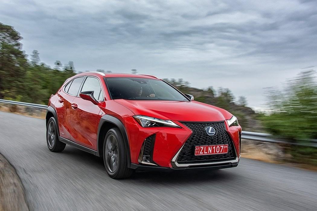 Тест-драйв Lexus UX: День красивых машин