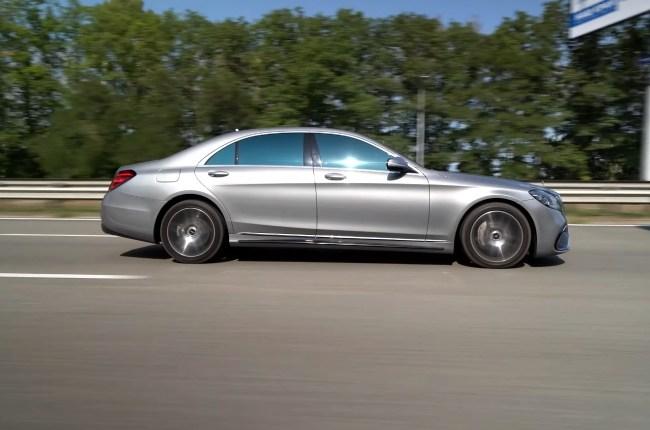 Mercedes S-Class W222 вид сбоку