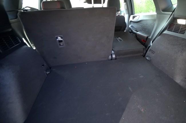 Ford Kuga багажник