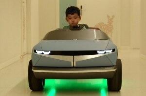 Hyundai создал мини-электромобиль для детей