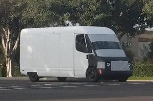 Rivian тестирует электрический фургон