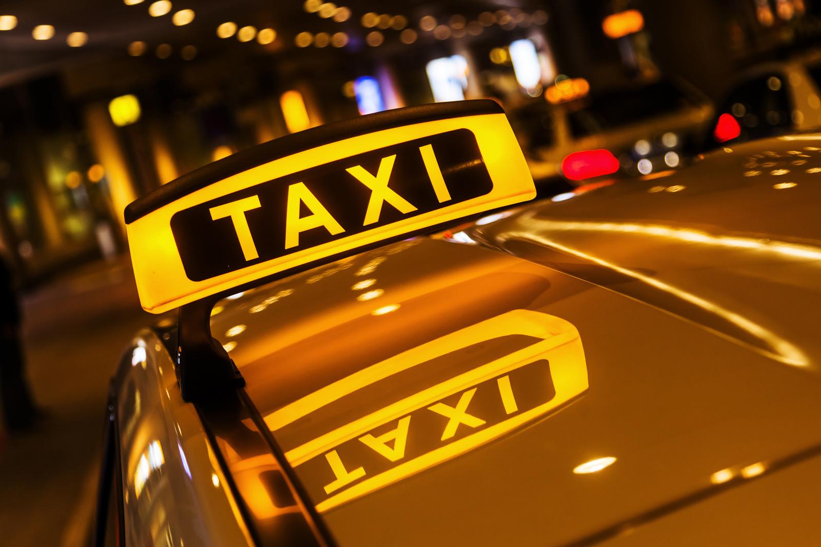Какой автомобиль подходит для работы в такси?